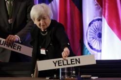 Pasca FOMC Dolar Cenderung Menguat, Harga Emas Dibawah $1300?