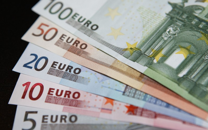 Stimulus ECB Bebani EURUSD